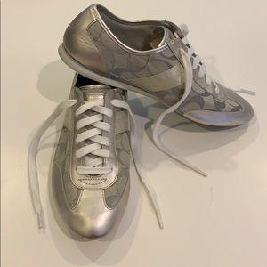 EUC Coach Oxford sneakers